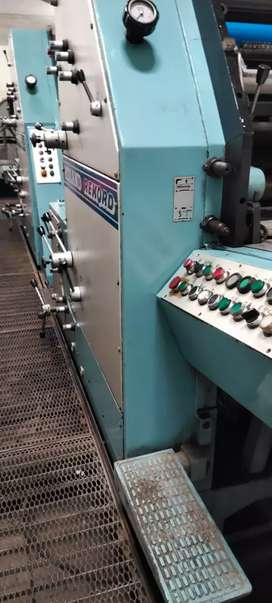 Prying machine Roland