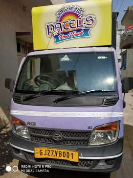 Food truck for sale/(rent only for nadiad)