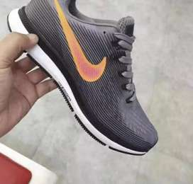 New nike shows available in stock