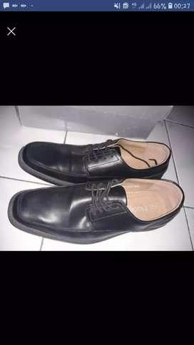 Sepatu fladeo asli