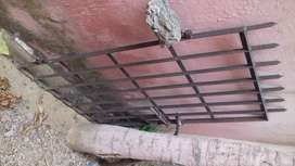 Iron gate weight 22kg length 132cm breadth 84cm price Rs.650