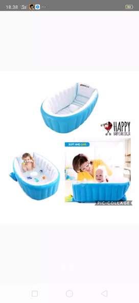 Bak mandi bayi cantik,lucu..