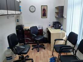 100 sqft compact office with exclusive access near park street