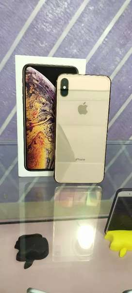 Iphone XS Max 64gb gold 12 month old