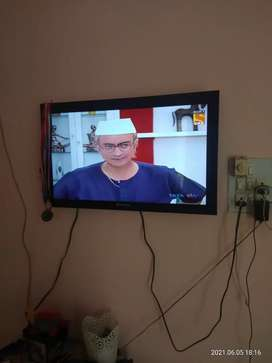 Tv sansui 32inch .led. selling just because i m shifting