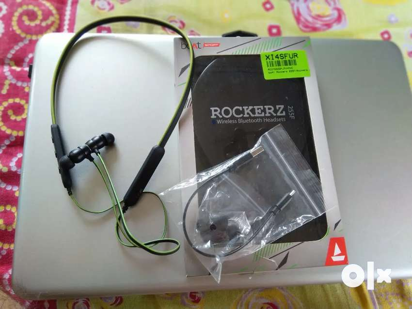 Boat Rockerz 255F bluetooth neckband