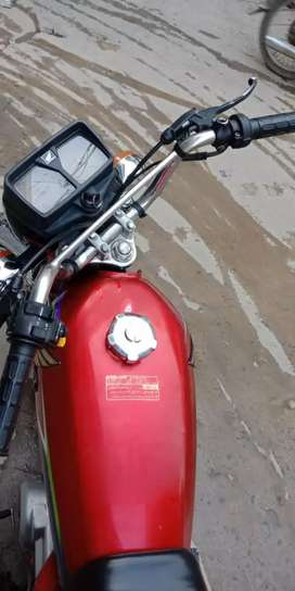 Honda cg 125 for sell in mint condition