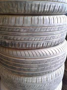 "13""  2 tyres tube less behtreen condition ."