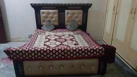 Urgent Sale (Bed & dresing tabel) in cheap prize