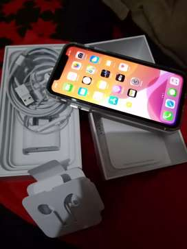 iPhone 11 128 GB white colour