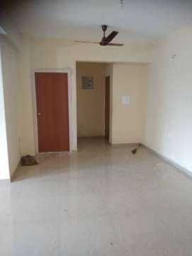 2 bhk flat for rent in gated complex