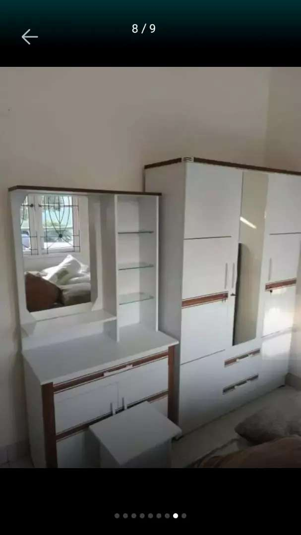B28 jual paket lemari dan meja rias cantik minimalis 0