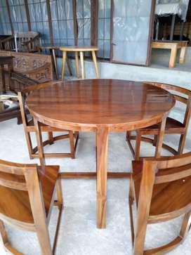 Meja makan bulat kayu jati full plus 4 kursi kuat dan awet sampe bosen