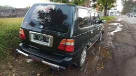 Di jual mobil bekas kijang lsx 2002