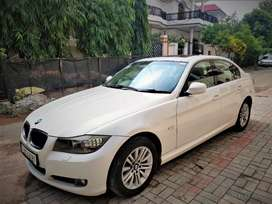 BMW 320D for rent white colour in top condition