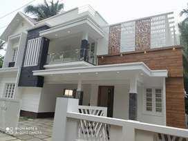 Thrissur 6.5 cent 4 bhk posh looking villa