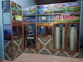 Depot air minum isi ulang jenis Ro (2000gpd) dan mineral menjadi satu.