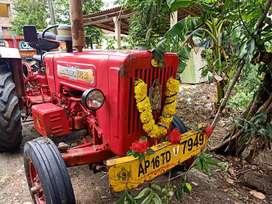 Tractor Mahindra 575