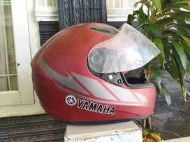 Helm bawaan yamaha original