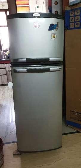Whirlpool double door fridge in good condition
