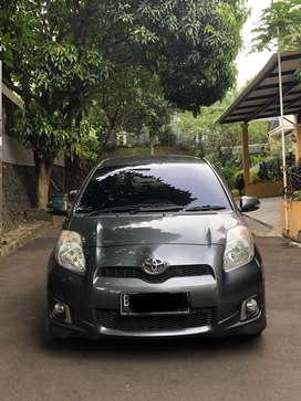 Toyota Yaris S Limited A/T (Auto 2000 Service Record)