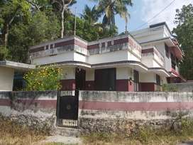 Peyad 2.5cent and 2bhk 700sqft house for sale .main road side