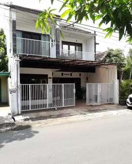 Rumah 2 lantai Sawojajar