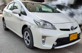 Toyota Prius G LED edition 1.8 2014 now on easy monthly installment