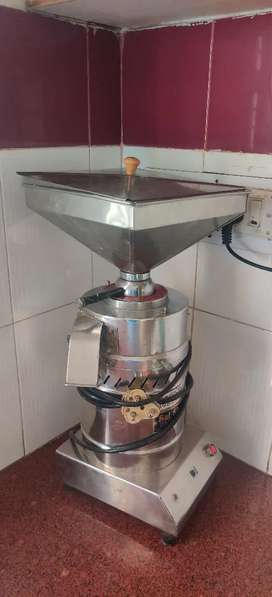 Atta Chakki Machine for sale (stone chakki)- 6kg/hour, well maintained