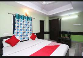 40 Room Running Hotel/Restaurant on Rent & sell at Tarapith,Birbhum