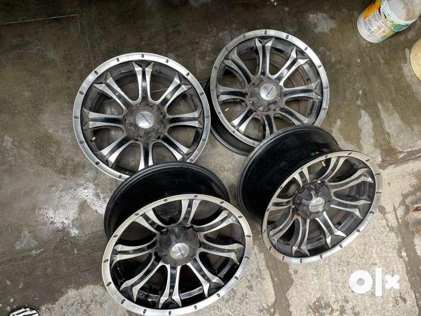 17inch alloy mag wheels