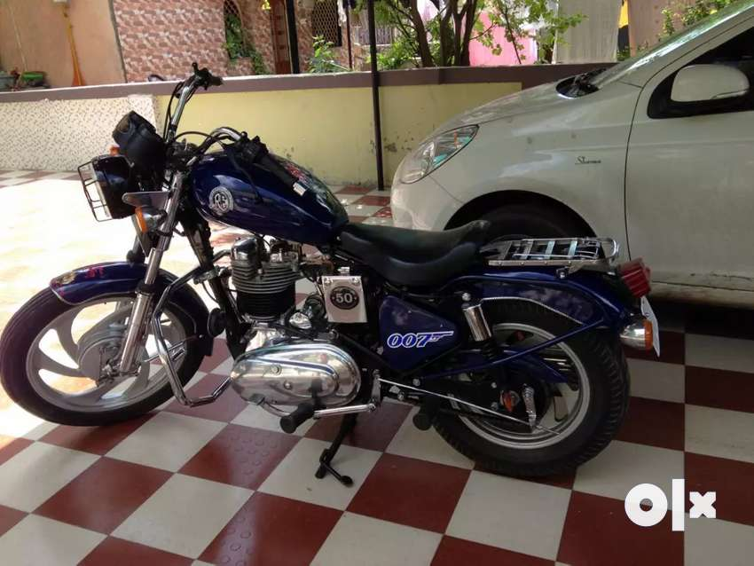 Royal Enfield machismo old 0