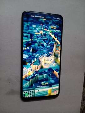 Samsung galaxy m40 good condition urgent sale please contact me