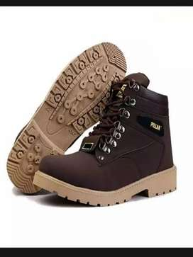 Stylish brown sneakers for men