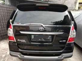 Mobil kijang innova tahun 2013 KM rendah