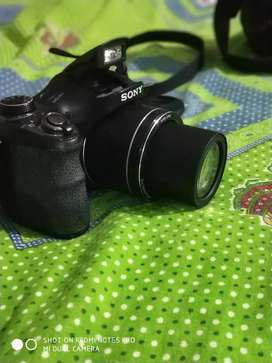 Sony DSC H300 cyber shot camera with good condition.