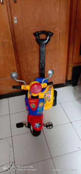 Sepeda scooter anak