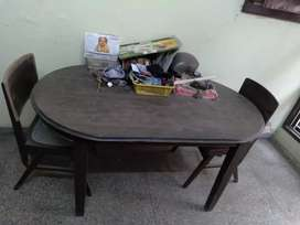 Dinning table 5x3 with 2 chairs