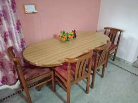 4 seater dining set new condition