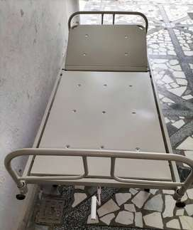 Hospital bed for patient with adjustable feature price negotiable