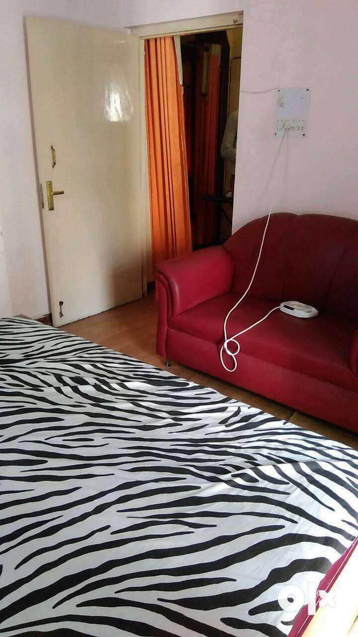 1room fully furnished in a nice and good looking service flat