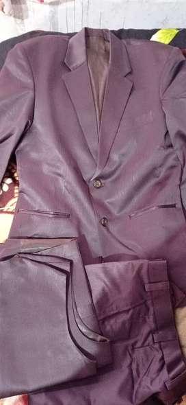 Suits marron