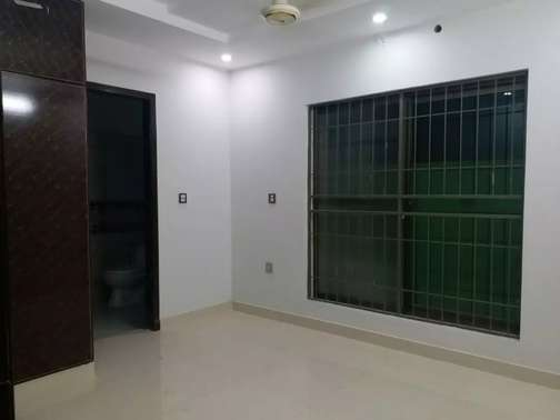 24 rooms building, for rent