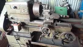 Lathe machine turner