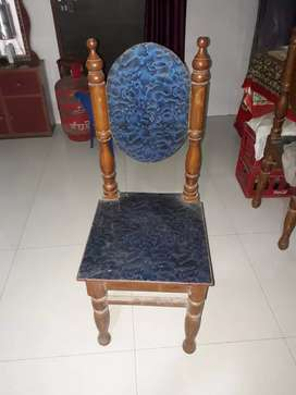 Chair 4 no. H