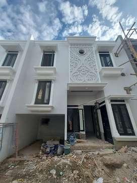 For sale rumah dalam cluster 2 set lantai