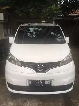 Nissan evalia SV putih matic