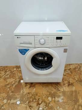 Direct drive 5.5 kg front load fully automatic LG washing machine