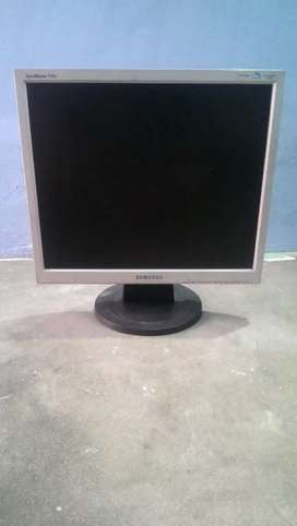 Samsung 17inch computer lcd