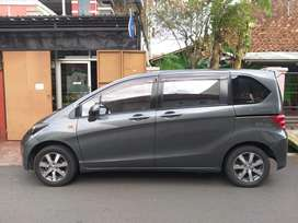 Honda Freed 2011 type s mulus mantap